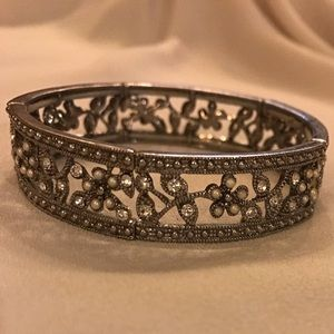 Beautiful Stretch Bracelet with Rhinestones